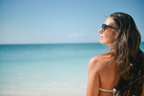Six Surefire Ways Your Body Says It Wants Shade this Summer